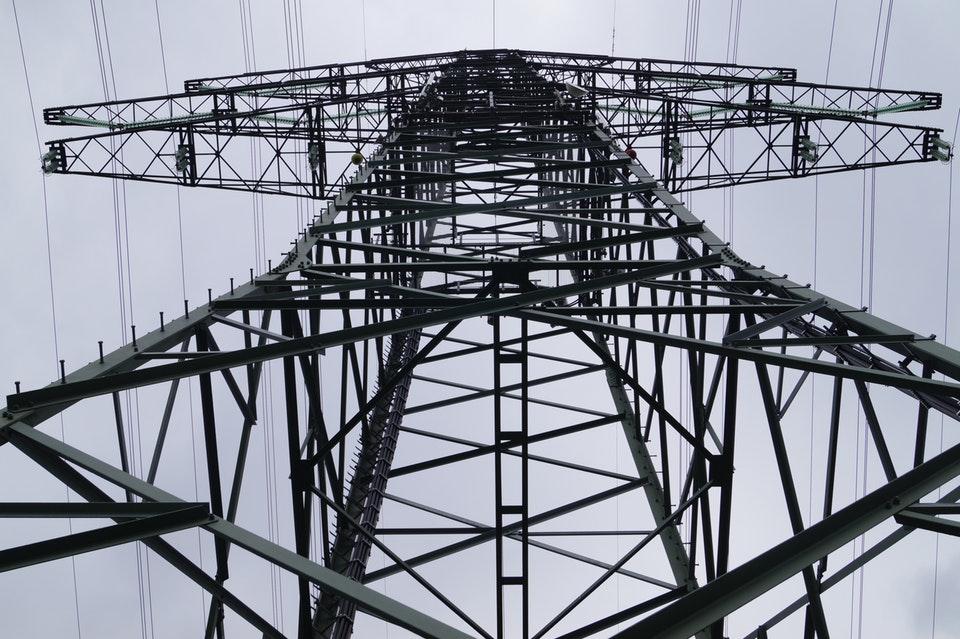Jak zmienić dostawcę prądu zgodnie z obowiązującymi procedurami